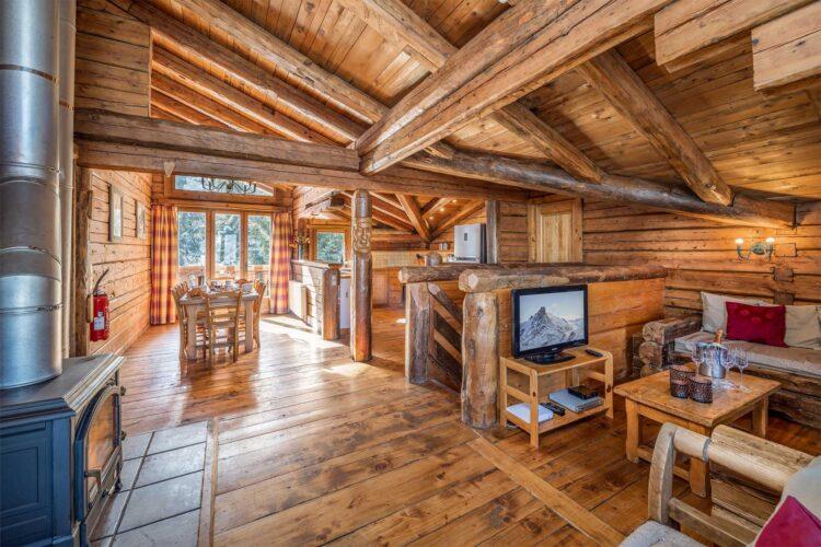 Chalet Elliot West La Tania living room