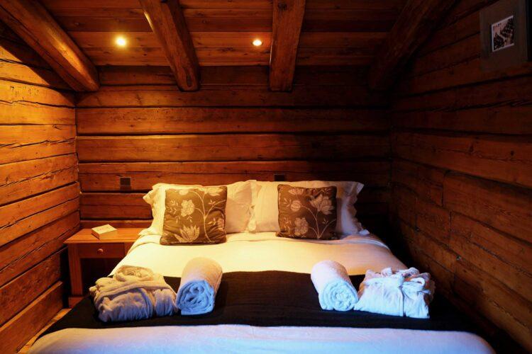Chalet Elliot East - La Tania - Bedroom
