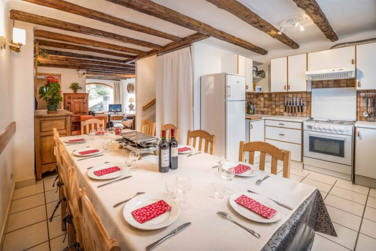 Chalet Charmille dining room